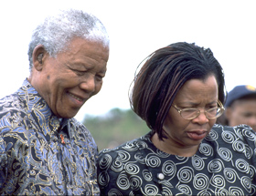 Nelson-Mandela-e-Graca-Machel